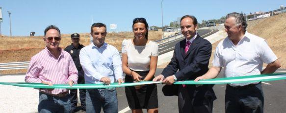 Inauguran las dos nuevas rotondas de la Cruz de San Jorge, De esta forma se ponen en servicio para el inicio de la Feria de Pedro Romero, 04 Sep 2012 - 18:14