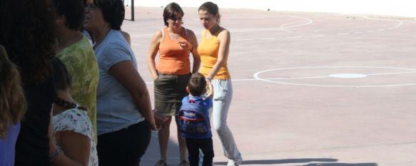 Más de 3.000 alumnos inician el curso escolar en los doce colegios de la ciudad, Los alumnos del Colegio San Agustín de El Burgo no pudieron comenzar las clases en el centro por obras de mejora, 10 Sep 2012 - 21:32