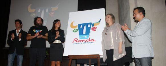 Presentada la nueva marca turística de la ciudad: Ronda, suerte natural , Se trata de un diseño del creador de Kukuxumusu, Mikel Urmeneta, que no ha dejado indiferente a nadie, 27 Sep 2012 - 22:46