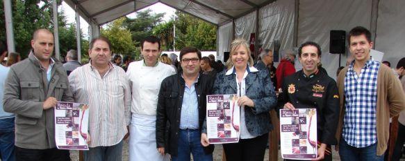 La Feria de Tapas y Vinos cierra los actos del Día del Turismo, Establecimientos de restauración y los bodegueros de la zona ofrecieron sus mejores productos, 01 Oct 2012 - 14:24