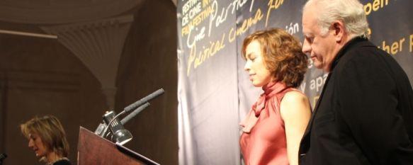 Brillante inauguración del I Festival Internacional de Cine Político de Ronda, Juan Echanove y Patricia García han conducido una emotiva inauguración, en la que se ha homenajeado la figura de José Saramago. , 27 Nov 2010 - 22:02