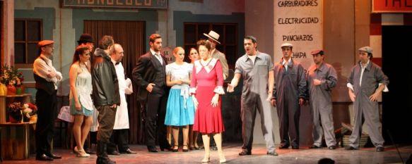 """La zarzuela """"La del Manojo de Rosas"""" hizo disfrutar al público rondeño, Más de ochenta personas intervinieron en la representación, que tuvo lugar en el Teatro Espinel, 22 Oct 2012 - 16:56"""