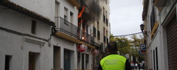 El fuego calcina una vivienda de la céntrica calle Infantes, El incendio se produjo en torno a las 16 horas y afortunadamente sólo se han producido daños materiales, 02 Nov 2012 - 17:47