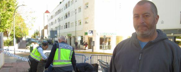 """Francisco Javier Alba: """"El kiosco era mi pan y ahora me han dejado en la calle"""", La Policía Científica considera que con casi total seguridad el incendio que afectó a este pequeño comercio de la calle Bulerías fue intencionado, 13 Nov 2012 - 18:13"""