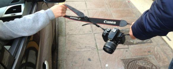 Detenidos dos jóvenes que arrastraron varios metros desde un coche a un turista ruso, Le robaron una cámara fotográfica, pero fueron sorprendidos por agentes de la Policía Nacional y la Guardia Civil , 20 Nov 2012 - 15:32