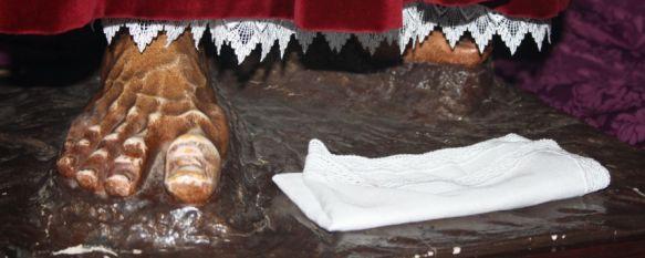 Ronda muestra su sentir cofrade en el Besapiés Magno, La ciudad vuelve a volcarse con esta iniciativa puesta en marcha por la Agrupación de Hermandades y Cofradías, 25 Nov 2012 - 21:00
