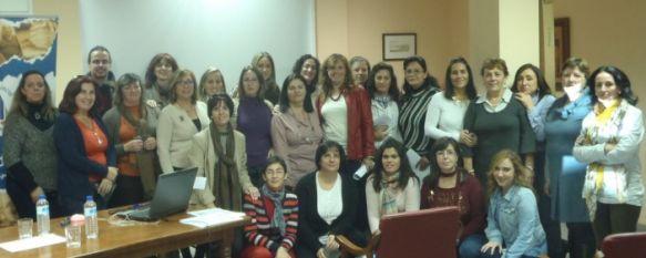 El Área Sanitaria ofrece un taller sobre alimentación y nutrición en personas con Alzheimer, FEAFA Málaga organizó esta actividad formativa, que se celebró en las instalaciones de AROAL, 28 Nov 2012 - 16:55