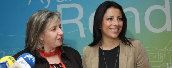 La alcaldesa anuncia la primera remodelación del equipo municipal de Gobierno, Concha Muñoz se convierte en la primera edil de etnia gitana en la historia del Consistorio rondeño, 20 Dec 2012 - 20:11