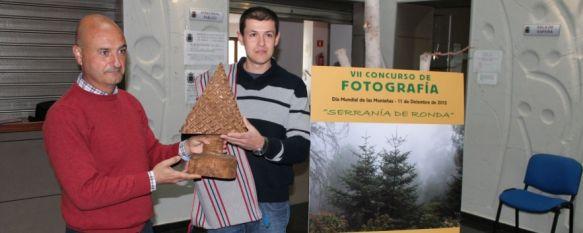 Francisco José Vázquez, ganador del VII Concurso de Fotografía Serranía de Ronda, La imagen premiada muestra el sendero del paseo de los pinsapares de Genalguacil, 26 Dec 2012 - 20:14