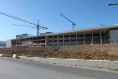 Estado actual de las obras del nuevo hospital comarcal. // CharryTV