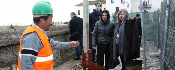 Comienzan las obras de reparación del muro del Puente Nuevo , Los trabajos se prolongarán durante una semana por lo que el tráfico será regulado por la Policia Local, 21 Jan 2013 - 16:59