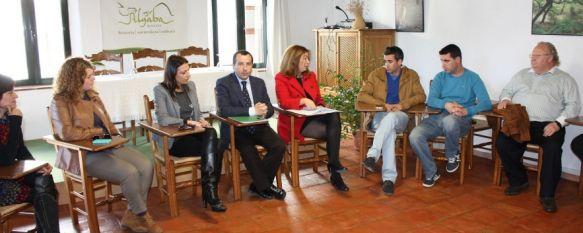 La Junta explica a empresarios de la Serranía su política para fomentar la economía social, En el encuentro han participado el delegado del Gobierno andaluz en Málaga y la directora general de Economía Social, 05 Feb 2013 - 19:30
