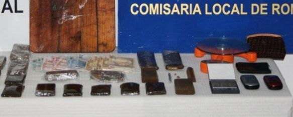 Una operación antidroga en la Barriada El Fuerte se salda con dos detenidos, El Cuerpo Nacional de Policía, en una operación conjunta con Policía Local, desmantelan un importante punto de venta de drogas., 02 Mar 2011 - 19:26