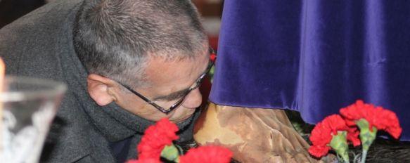 Ronda vuelve a mostrar su devoción hacia Padre Jesús y la Virgen de los Dolores, Miles de rondeños han participado desde esta mañana en la iglesia de Padre Jesús en el Solemne Besapié y Besamanos, 01 Mar 2013 - 21:21