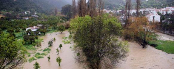 El temporal de viento y lluvia provoca varias incidencias en la Serranía de Ronda, La crecida del río Guadiaro lleva la alarma a la Estación de Jimera, mientras que un desprendimiento en la Estación de Gaucín afecta a las conexiones ferroviarias, 07 Mar 2013 - 17:19