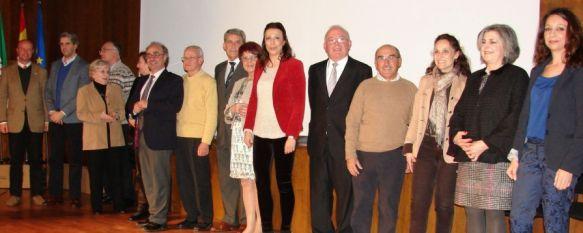 Homenaje a los 18 docentes jubilados en el pasado curso por su trayectoria profesional, Reconocen la labor realizada en el Instituto Pérez de Guzmán durante su Semana Cultural Solidaria, 21 Mar 2013 - 19:04