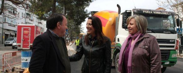 El Ayuntamiento achaca a las lluvias los retrasos en las obras de avenida de Málaga, Los trabajos cuentan con una inversión de 261.000 euros y se anunció que finalizarían antes de Semana Santa, 09 Apr 2013 - 19:56