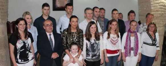 Entregan las becas de la Fundación Benéfico Docente Virgen de la Paz, Se han concedido ayudas de 600 euros anuales a dieciséis alumnos, la mayoría de ellos nacidos en Ronda, 19 Apr 2013 - 20:03