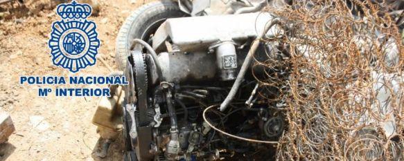 La Policía Nacional detiene a dos hombres que robaron un coche para venderlo por piezas, El vehículo fue sustraído el pasado 4 de abril, cuando se encontraba estacionado en la céntrica calle Monterejas, 28 Apr 2013 - 14:44