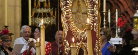 La Hermandad de Ronda emprendió ayer su camino hacia la aldea de El Rocío, Más de un centenar de personas participaron en la Misa de Romeros, que se celebró en Santa María La Mayor, 14 May 2013 - 18:06