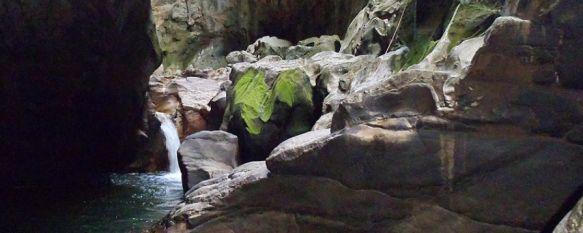 Un hombre fallece en el Cañón de las Buitreras mientras hacía barranquismo, Desde la Federación Andaluza de Espeleología afirman que el permiso para realizar esta ruta sólo se expide a partir del 15 de julio, 21 May 2013 - 10:29