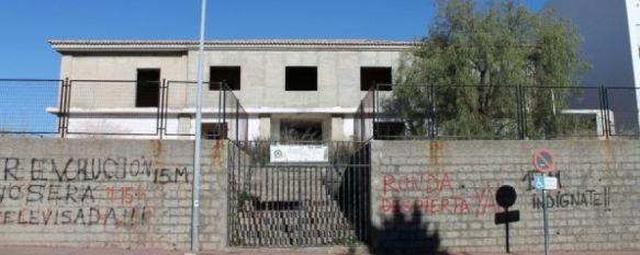 El Ayuntamiento de Ronda plantea a la Junta trasladar el Conservatorio al edificio La Isla, Los responsables municipales inciden además en la necesidad de sustituir el techo de uralita del Colegio Juan Carrillo, 21 May 2013 - 20:50