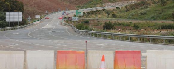 Arreglo provisional para la carretera de Ardales, que volverá a estar operativa en un mes, El arreglo definitivo, presupuestado en 600.000 euros, tendrá que esperar ante la falta de liquidez del gobierno autonómico, 05 Jun 2013 - 02:39