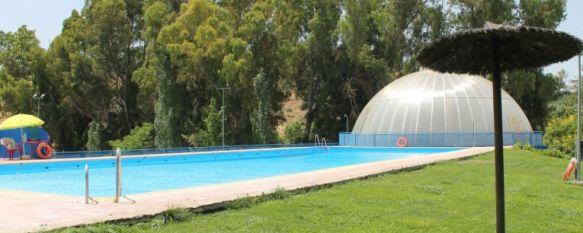 Inauguran la temporada de ba os en la piscina municipal for Piscina municipal barrio del pilar