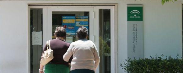 La temporalidad y el verano alejan a Ronda de los 5.000 desempleados, El paro descendió en julio en 174 personas en el que supone el cuarto mes consecutivo con registros positivos, 02 Aug 2013 - 20:32