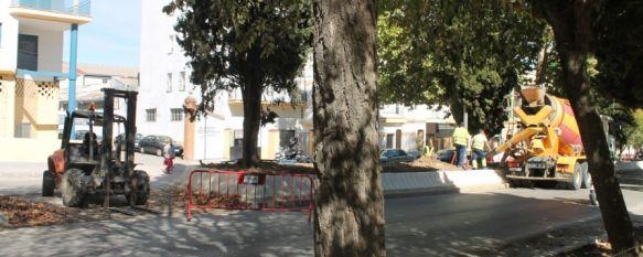 La salida de la ciudad por avenida de Málaga, cortada al tráfico a partir de mañana, Con motivo de la construcción de una nueva rotonda junto al CPD, se desviará el tráfico por la Cruz de San Jorge, 14 Oct 2013 - 14:04