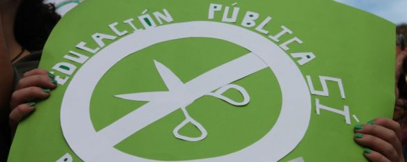 Clases vacías en Ronda como protesta contra la ley Wert, La participación de alumnos en los actos convocados por el Sindicato de Estudiantes ha sido minoritaria, 24 Oct 2013 - 19:52