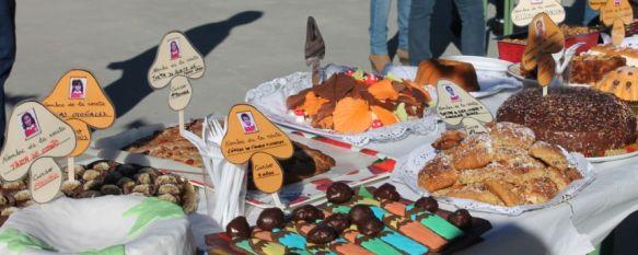 Un otoño muy dulce en el Colegio Juan de la Rosa  , Los alumnos de Infantil han disfrutado de un gran desayuno acompañados por sus familiares, 06 Nov 2013 - 17:15
