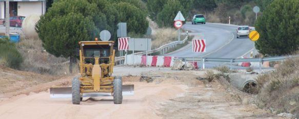 La Junta refuerza la seguridad de las obras de uno de los nuevos accesos a Ronda , Eliminará uno de los puntos peligrosos, ubicado junto al nuevo hospital comarcal, poniendo en funcionamiento 600 metros del futuro trazado, 19 Nov 2013 - 20:45