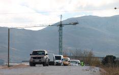 Esta parte del trazado conecta con la rotonda de acceso al nuevo hospital comarcal, cuyas obras también se encuentran paralizadas. // CharryTV