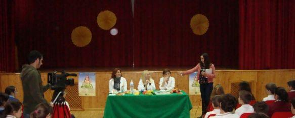 Enfermeras del Área Sanitaria hablan sobre nutrición en el programa 'Pequeños Reporteros', Los alumnos del Colegio Virgen de la Paz se convierten en periodistas para entrevistar a Cris Guerrero, Campeón del Mundo de Enduro Junior en 2005, 20 Nov 2013 - 16:41