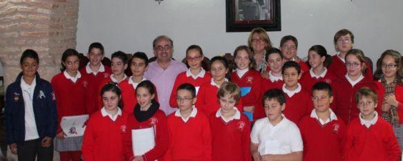 Alumnnos del Colegio Fernando de los Ríos se convierten en políticos por un día, La actividad se enmarca dentro del programa de actos programados por el Ayuntamiento con motivo del Día de la Constitución, 25 Nov 2013 - 14:17