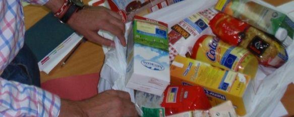 Asuntos Sociales y Cruz Roja inician el reparto de alimentos a familias necesitadas, Se repartirán unos 20.000 kilos de alimentos no perecederos en los próximos dos meses. , 07 Jul 2011 - 18:37