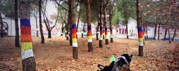 Una modesta recreación del Bosque Animado de Oma en el polígono El Fuerte, El Ayuntamiento de Ronda copia la idea del pintor vizcaíno Agustín Ibarrola para el parque canino, en el que se han invertido 9.000 euros, 17 Dec 2013 - 18:12