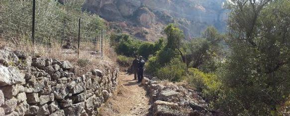 Medio Ambiente pone en marcha un plan para recuperar tres senderos del Tajo y Los Molinos, Los trabajos, que tendrán una duración de dos meses, están siendo ejecutados por operarios del Plan de Empleo Contra la Exclusión Social, 18 Dec 2013 - 19:16