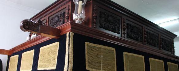 La Hermandad de La Pollinica presenta el nuevo paso del Señor, Ha sido bendecido por el sacerdote de la Iglesia de San Antonio de Padua, Miguel Ángel Merced, 18 Jan 2014 - 13:49