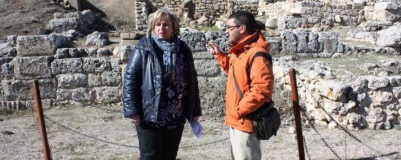 El Ayuntamiento pedirá a la Junta la gestión del yacimiento arqueológico de Acinipo, El recinto, que data del siglo I (a.C) y cuenta con uno de los teatros más importantes de Andalucía, ofrece un avanzado estado deterioro , 07 Feb 2014 - 18:32