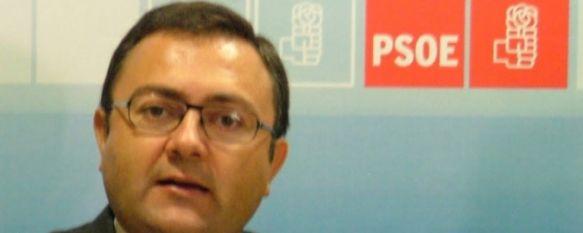 Militantes del PSOE rondeño piden la dimisión de Heredia y Conejo, Alrededor de un centenar de socialistas de Ronda han firmado un comunicado en el que también solicitan la designación de una Gestora., 03 Oct 2011 - 20:28