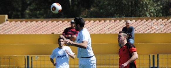 El C.D. Ronda se aleja del descenso apelando a la épica ante el Mancha Real, Un gol de Chechu en la segunda mitad dejó los tres puntos en la Ciudad Deportiva ante un rival que no perdía desde el 9 de diciembre, 13 Apr 2014 - 16:14
