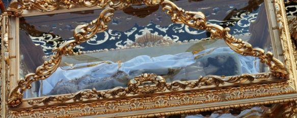 Detalle de la restauración de la urna del Cristo Yacente. // CharryTV