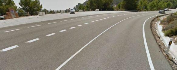 Un joven rondeño de 24 años pierde la vida en un accidente de tráfico en la A-355, La motocicleta que conducía colisionó con una furgoneta en la zona del mirador de Ojén, 13 May 2014 - 12:53