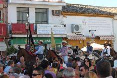 Miles de personas llenaban la plaza a la llegada de los rondeños. // CharryTV