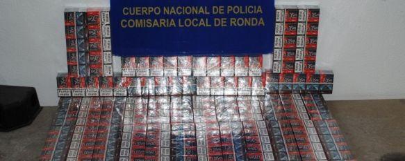 La Policía Nacional interviene 500 cajetillas de tabaco de contrabando en Ronda, Los paquetes de cigarrillos carecían de etiqueta fiscal y se encontraron en el interior de una furgoneta, 06 Jun 2014 - 12:59