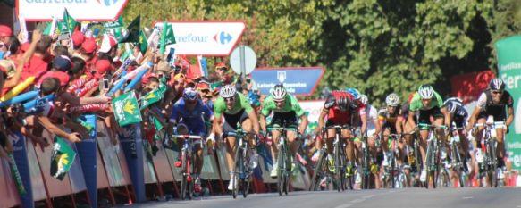 El alemán Degenkolb se impone en la etapa de La Vuelta con final en Ronda, Miles de personas han presenciado la llegada en las calles de la ciudad, que ha sido tendencia nacional en la red social Twitter , 27 Aug 2014 - 19:59