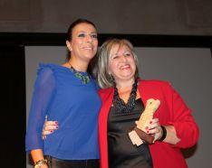 La alcaldesa ha reconocido el trabajo de la Delegación de Turismo. // CharryTV