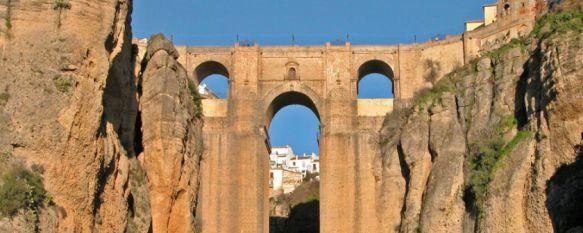 El Puente Nuevo ya cuenta con los anclajes necesarios para el desarrollo de la prueba. // Turismo de Ronda.